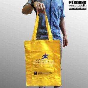 tas bahan taslan dengan kombinasi kantong depan LPJK Q3627