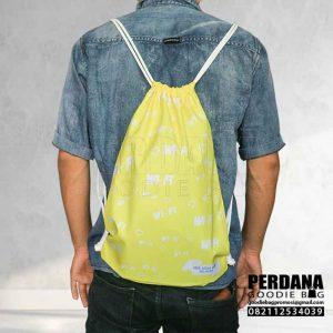 Contoh Drawstring Bag Warna Kuning Printing Q3851