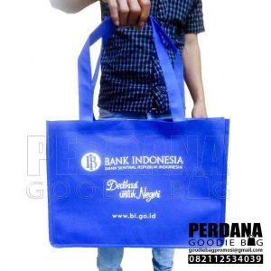 Tas Untuk Souvenir Spunbond Biru Benhur by Perdana Q3699