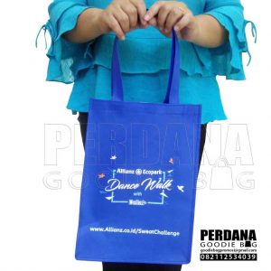 tas bahan non woven sablon by Perdana Q3758