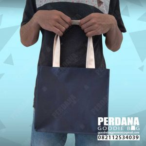 tas goodie bag microprada warna biru dongker by Perdana Q3782