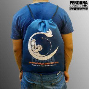 Drawstring bag spunbond biru dongker Tinggar KEP Melawai blok M Q3064