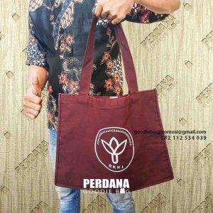 tas untuk seminar warna merah maroon di Tangerang id4409