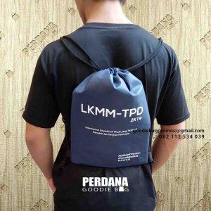 contoh tas souvenir serut spunbond di Semarang by Perdana id5057
