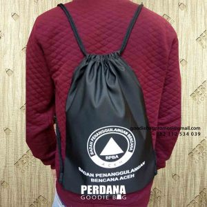 goodie bag serut hitam bahan anti air di Banda Aceh id4983