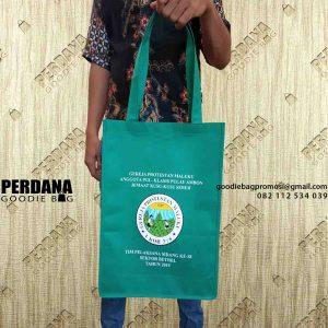 goodie bag murah bahan spunbond sablon custom Perdana Goodie Bag
