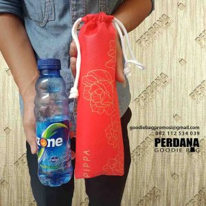 tas serut pouch untuk botol minum by Perdana Goodie Bag